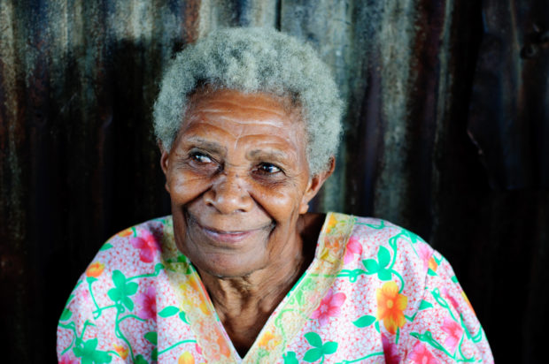 smiling_old_woman_imagicity_1180